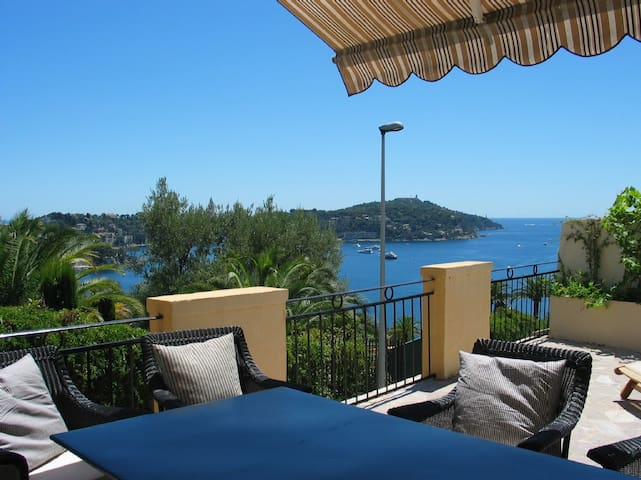 Charming apartment in Nice with a great view :) - Villefranche-sur-Mer - Departamento