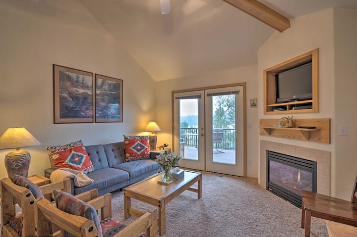 NEW! Resort-Style Klamath Falls Townhome w/ Deck!