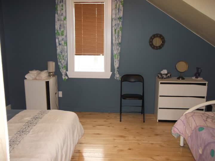 Gite chez viateur B&B- Room Lucie *comfortable*