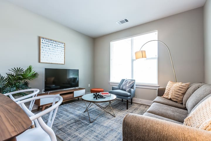 Kasa | King of Prussia | Designer 1BD/1BA Apartment