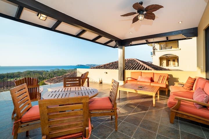 Gorgeous Ocean View, 2-story, 4 bedroom Dream Penthouse in Conchal
