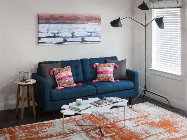 Luxury Knox Henderson 1BR w/ hotel-like amenities