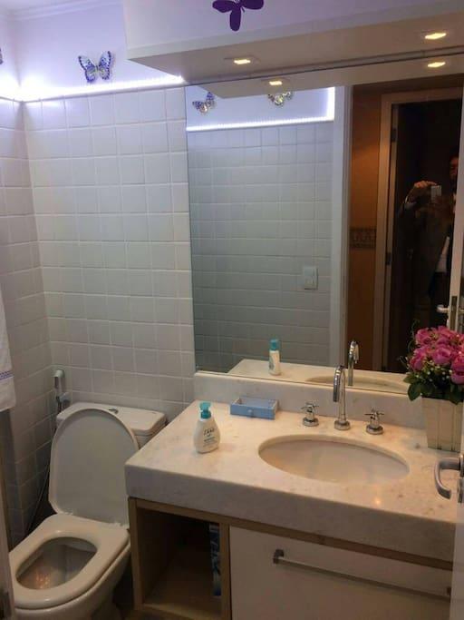 Banheiro (compartilhado)
