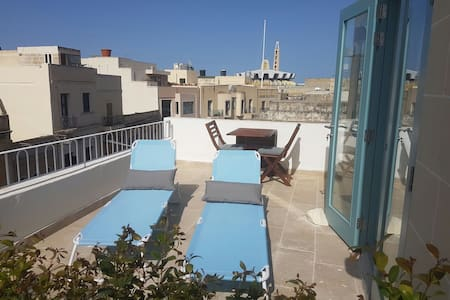 Penthouse & Terrace in Friendly Historic Townhouse - Balzan - Pis
