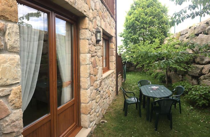 Apartamento en Prellezo, planta baja con jardín.M