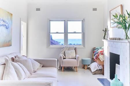 Oasis, feel at home, 250m to beach, ocean views