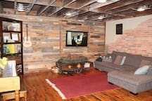 Rustic Loft in Heart of Downtown!