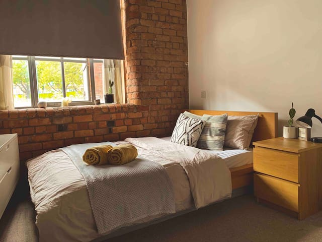 Prime Location Double Room in a Loft