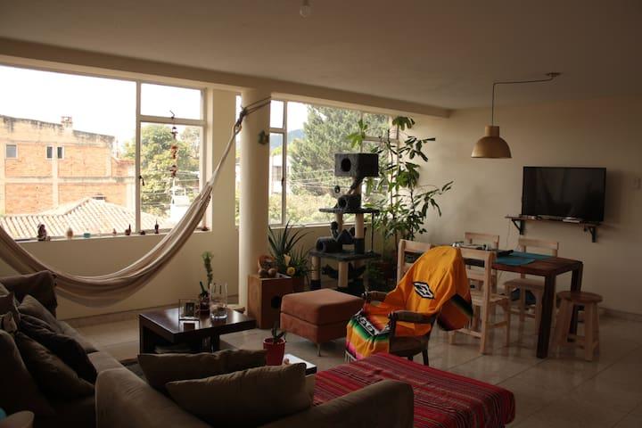 Bonita, cálida y cómoda habitación en La Soledad