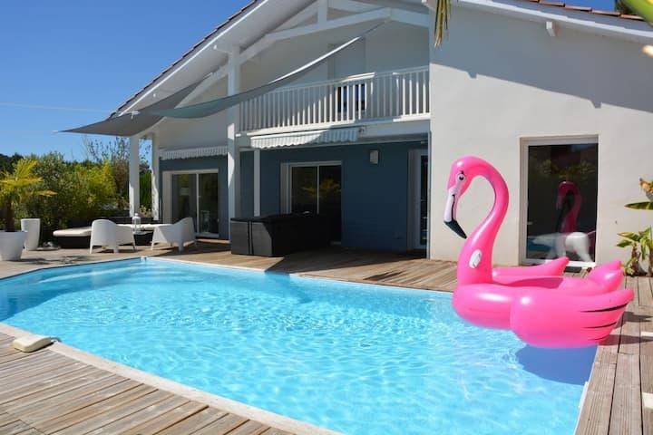 Maison avec piscine, 5 chambres, 10personnes