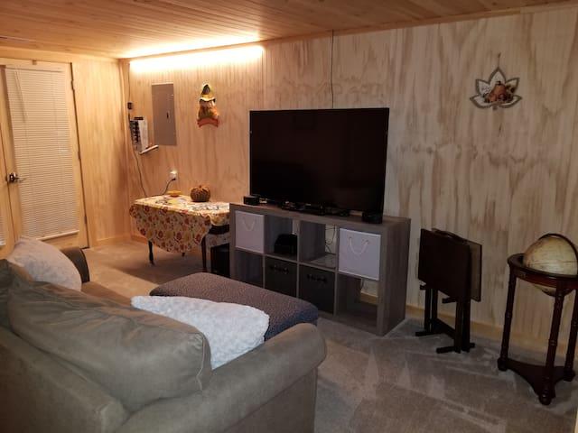 Charming 2 Bedroom Apartment near Acadia!