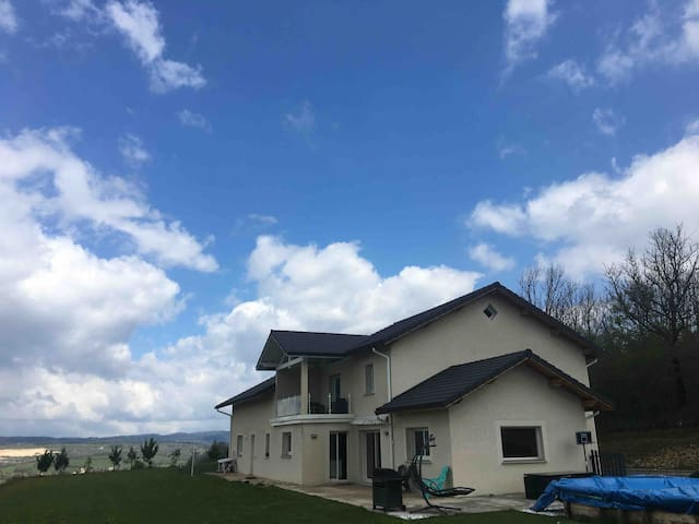 Villa moderne tout confort à proximité de Annecy