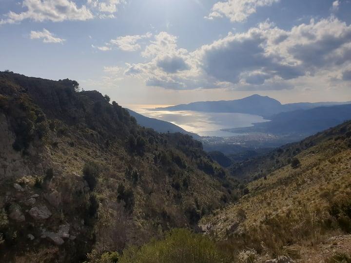 Immersi nella natura tra il Mare e la Montagna