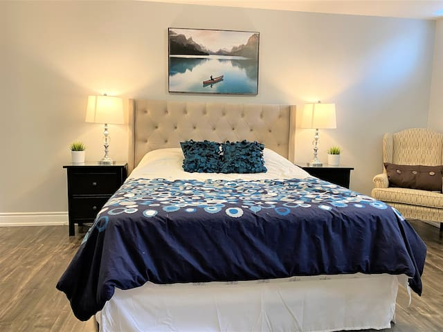Large Bedroom with Queen Bed and 2 Closets. It has a huge walk-in closet (8 ft by 10 ft). Two large windows. Brand New Furniture and beddings.