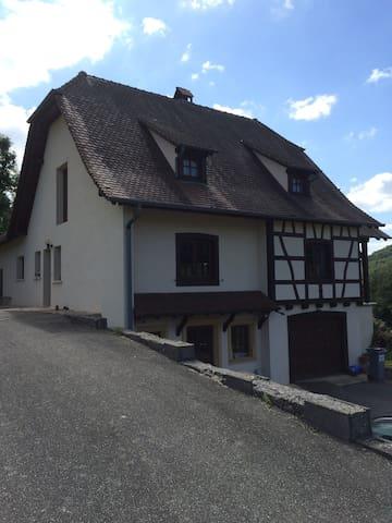 Chambre dans Maison de caractère - Oberlarg - Rumah