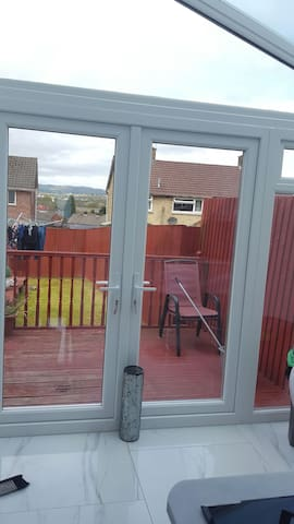 Clean and modern family home - Llanrumney - Rumah