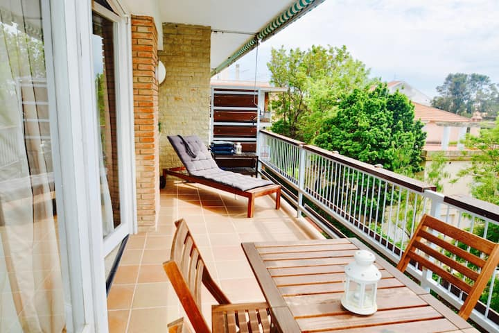 VINYET TRANQUILITY steps from the beach and pool