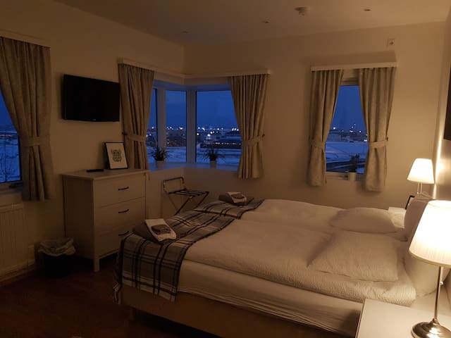 Large double or twin room with a mountain view on the second floor