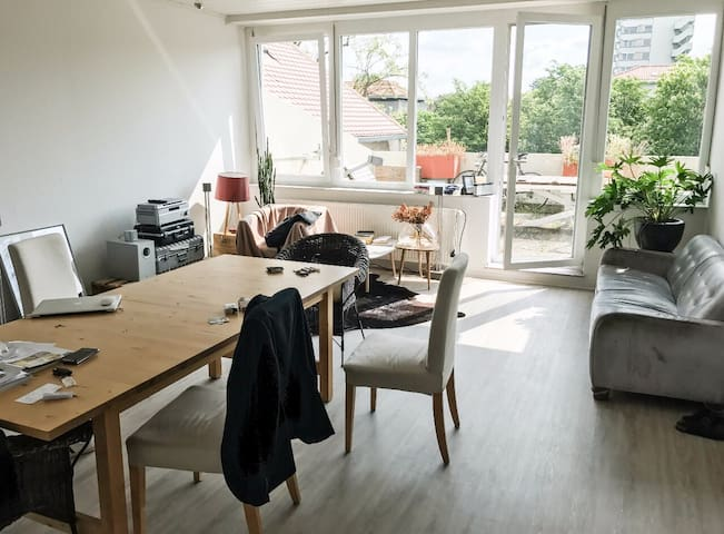 Room In Well-lit Flat In Heart Of Ludwigsburg