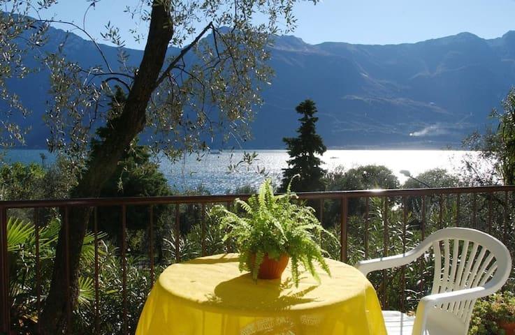 B&B BUFFALO GRILL FRA GLI OLIVI DI LIMONE DELGARDA - Limone Sul Garda - Bed & Breakfast
