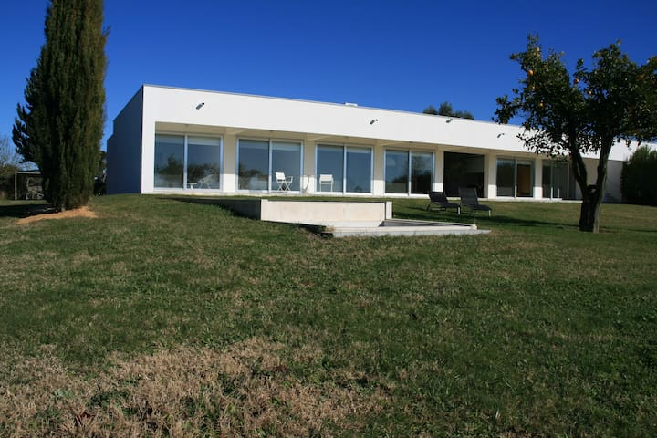Greater Lisbon design villa - Poceirao - House