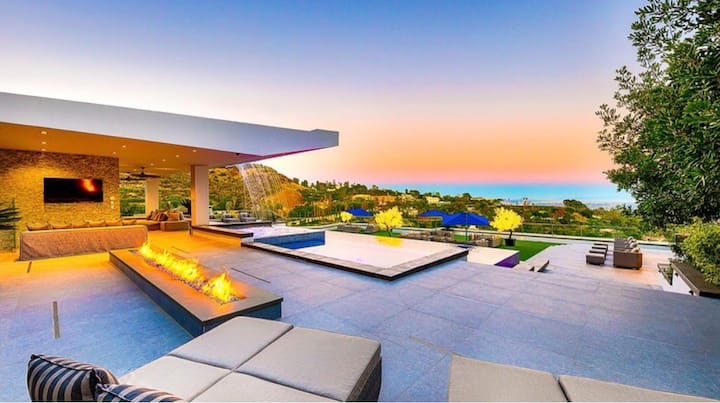 Modern Dream Estate!