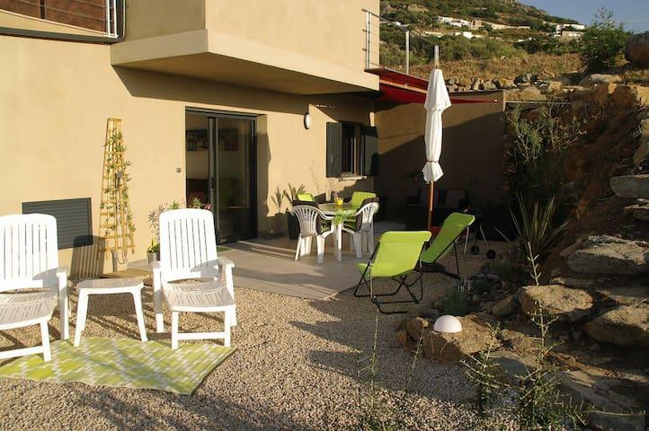 A Casa U Tramontu  :  T2  vue mer imprenable