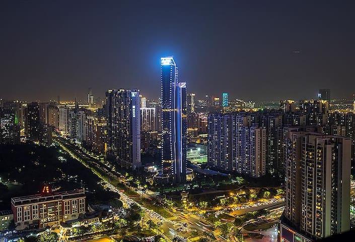 【鱼挚造贰号小舍】珠江新城猎德地铁站35平方米带观景阳台独立整套公寓