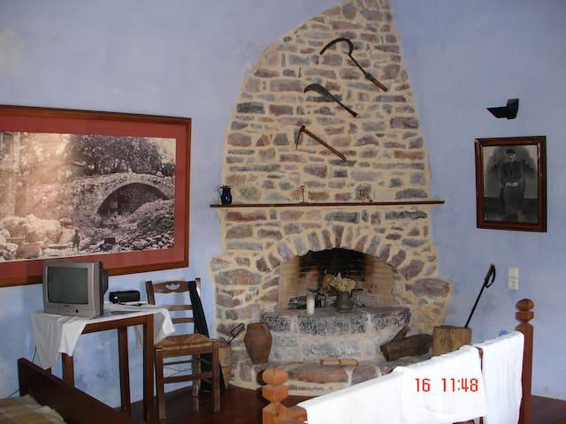 Κατοικία με υπέροχη θέα στο Αιγαίο - Kardamyla - Huis