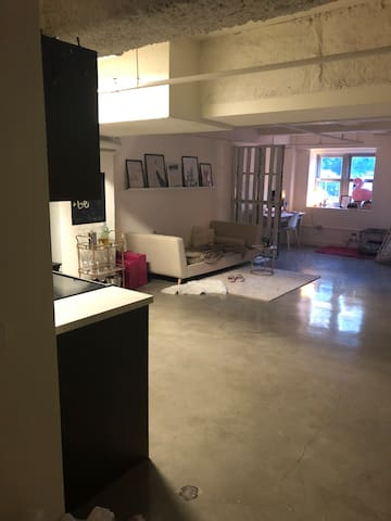 Huge Studio Apartment in DTLA