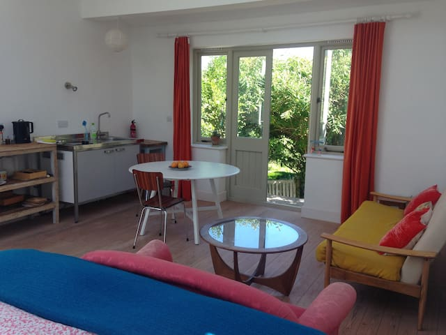 Studio room in Kingston near Lewes - Lewes - Huis