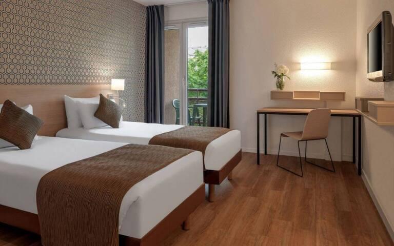 BARGAIN apartment in Paris! Oh lala!