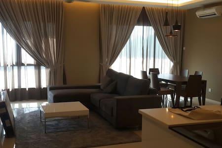 Luxury Master BedRoom - Gelugor
