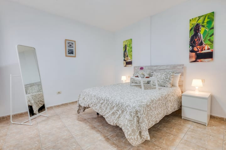 Three Bedroom Apartment Near Santa Cruz with Balcony & Wi-Fi
