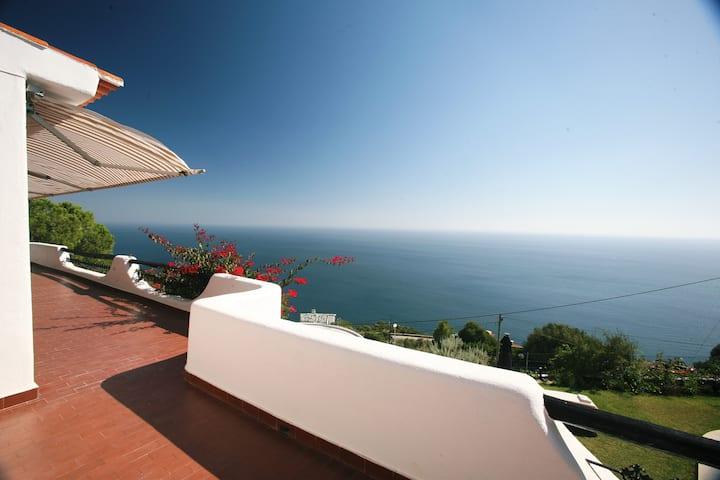 Casa Vista met panoramisch zeezicht
