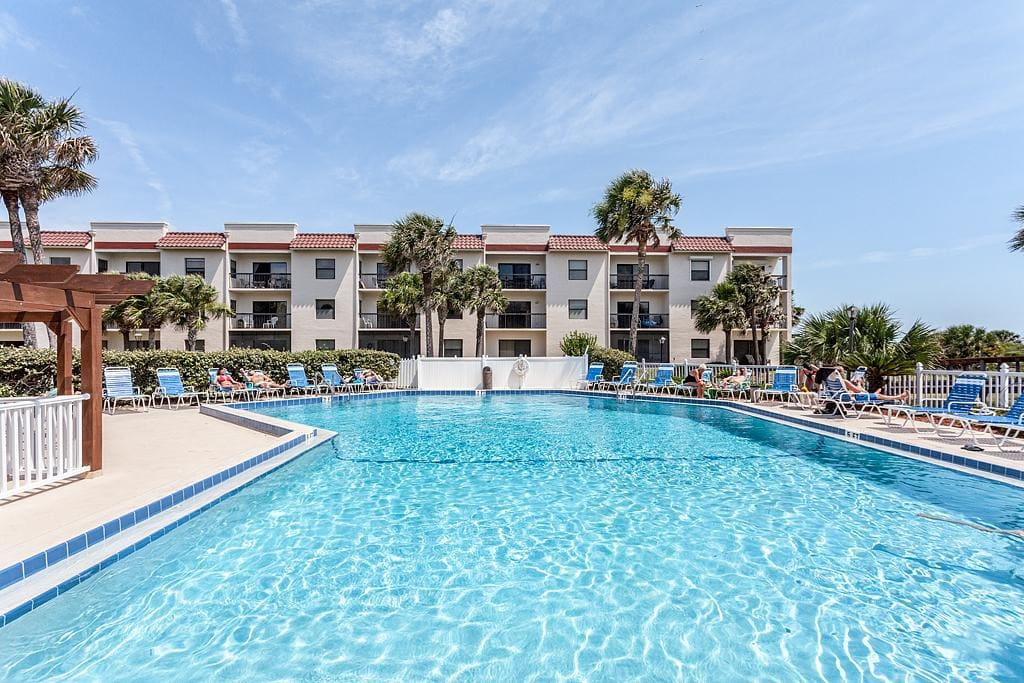 Life Is Better at the Pool! - Everyone knows that a vacation isn't complete without a trip to the community pool! Come on in, the