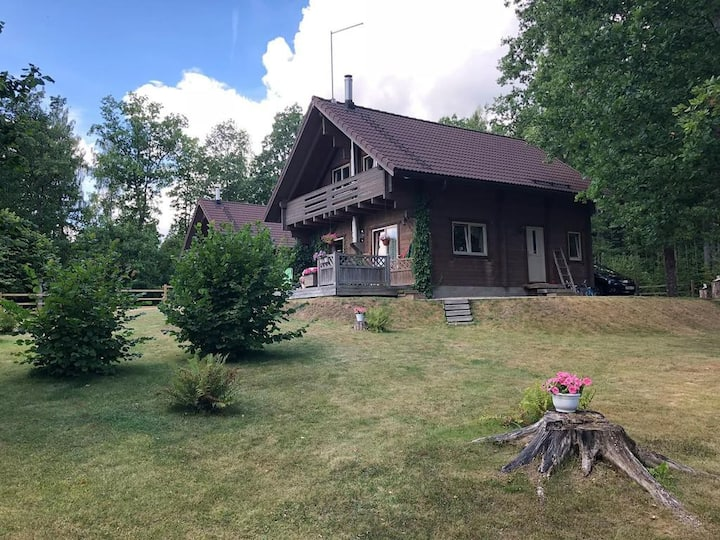 Wooden 3-bedroom house with fireplace and sauna