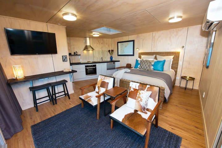 Kaka Point Studio - Beach Luxury in the Catlins