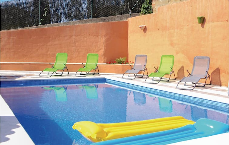 Holiday cottage with 3 bedrooms on 100 m² in Maçanet de la Selva