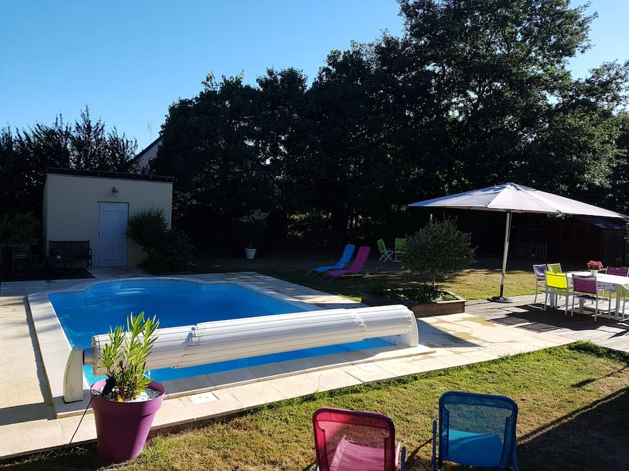 Maison cosy avec piscine chauff e houses for rent in for Piscine bourgonniere