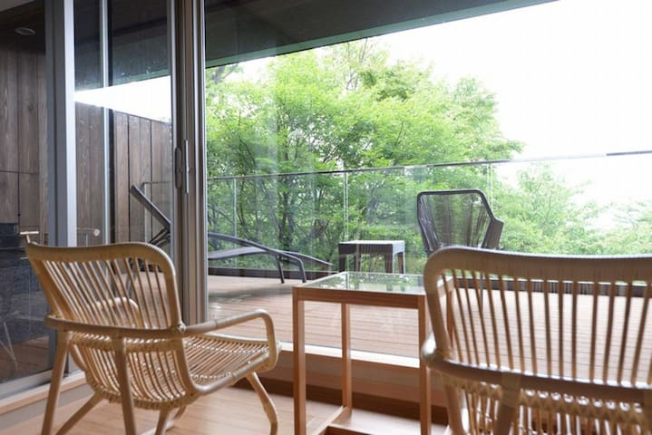 Hakone / Kowakudani ★All  rooms with open-air hot spring baths free-flowing from the source, 【Sen or Sho】with 2 meals