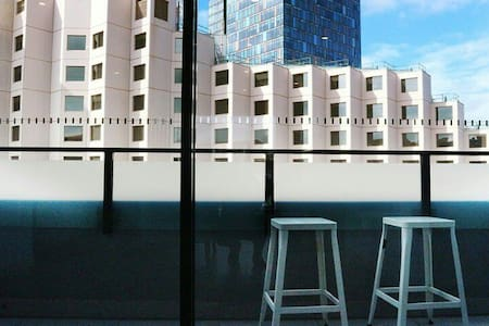 Darling Harbour Luxury Penthouse (Free parking)