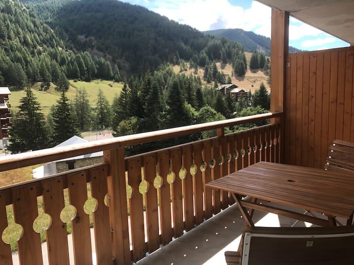 50m² luxe standing balcon piscine pied des pistes