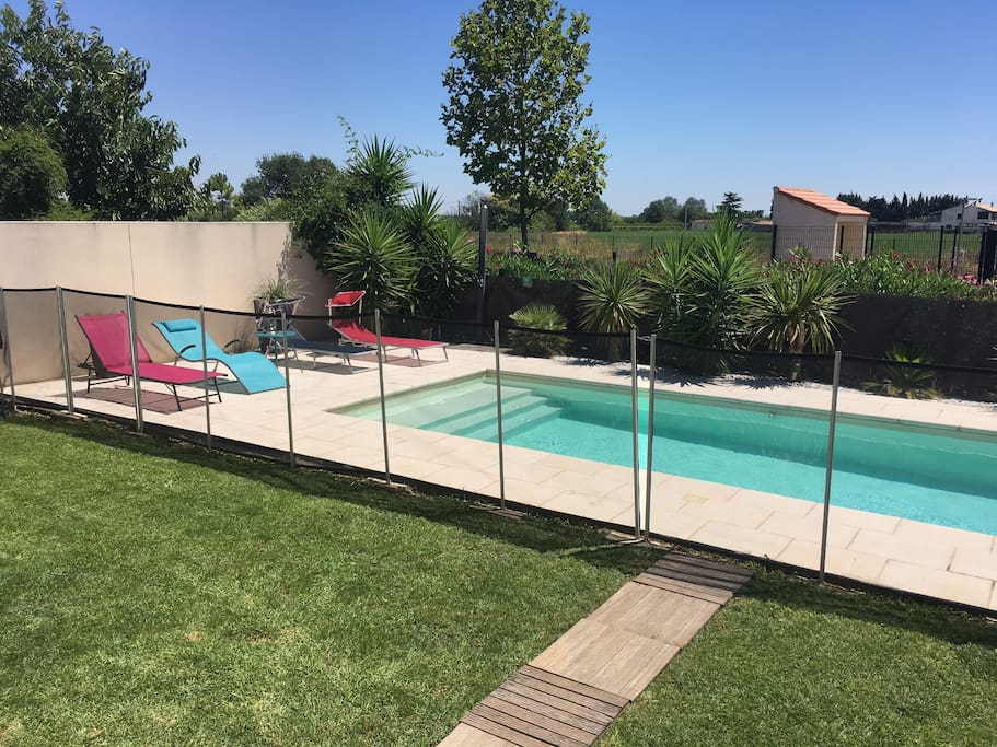 Villa avec piscine 15mn de la mer houses for rent in for Piscine mauguio