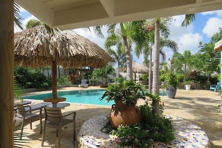 a Guest room at MangooZ Aruba - Oranjestad
