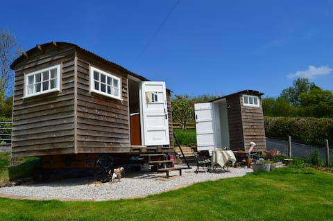 Rustic rural retreat. The Cayolar shepherd's hut