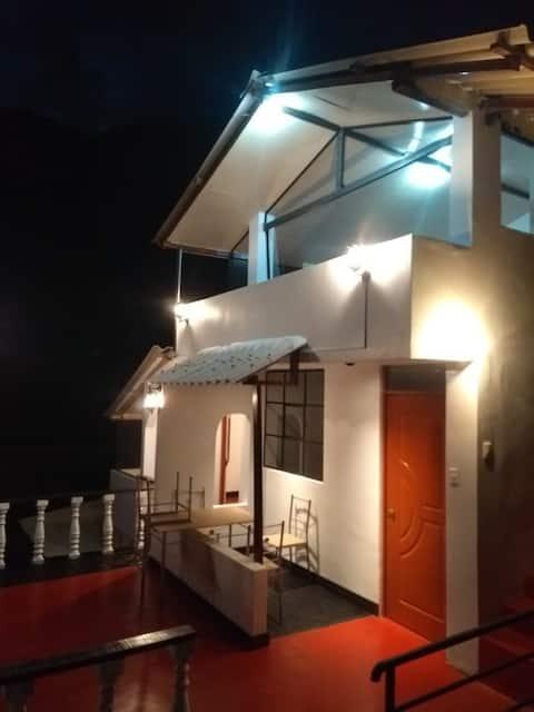 Apartamento confortable /terraza y vista al jardín