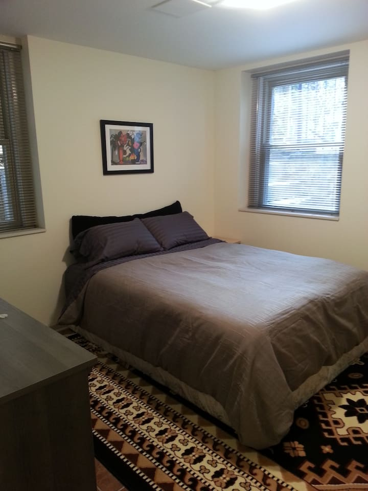 luxury comfort with nice light and queen bed
