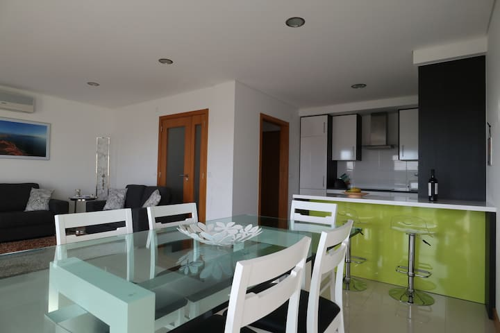Modern,luxuriously furnished apartment 1st floor