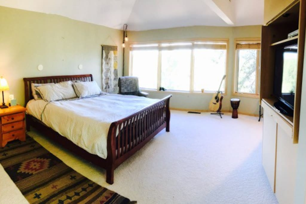 Upstairs master Bedroom, Fall asleep with the sound of the rushing Deschutes River.
